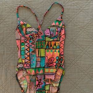 Super cool funky underwire colorful swimsuit